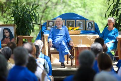 spiritual talks, spiritual advice, spiritual quotes, swami kriyananda, swami kriyananda talks, spiritual talks online, satsang online, kriyananda talks online, yogananda talks online